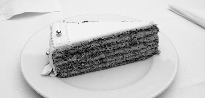 Wedding Cake Black and White
