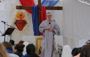 Fr Anthony Mary speaking at Immaculata Mission School 2016 02