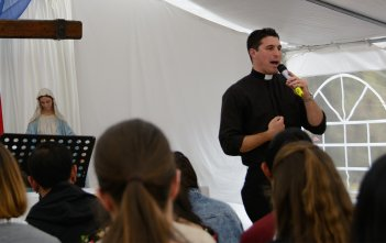 Fr Daniel McCaughan speaking at Immaculata Mission School 2016 02